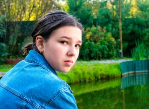 unhappy teen girl before going to teen therapy in katy, tx at the counseling center at cinco ranch for anxiety and depression near Houston, TX 77494
